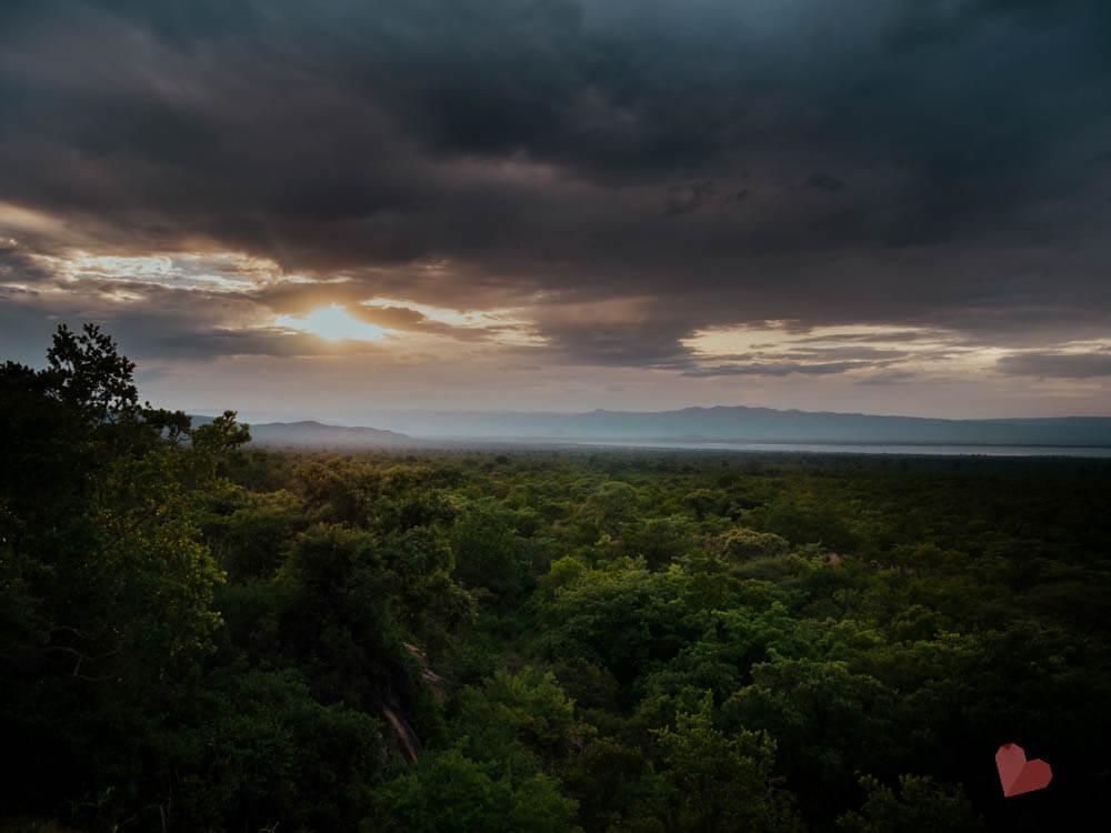 Sonnenuntergang im Tarangire Nationalpark vom Maweninga Camp aus