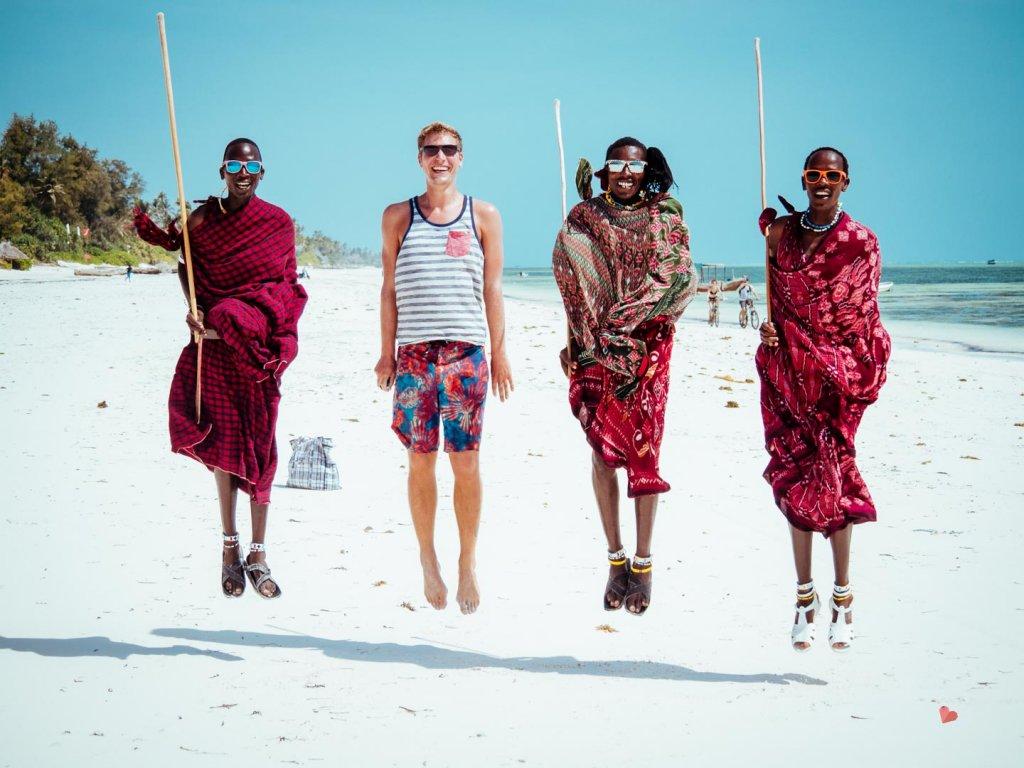 Maasai am Strand