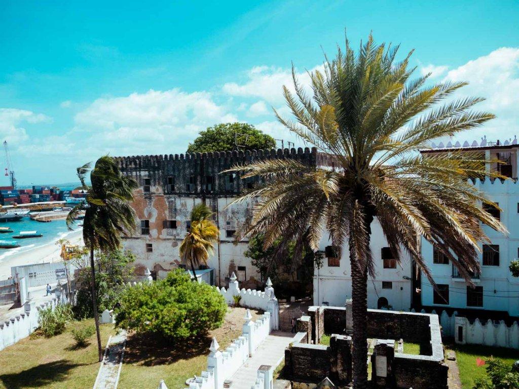Ausblick vom Palace Museum (Beit-el-Sahel) auf den Hafen von Stone Town