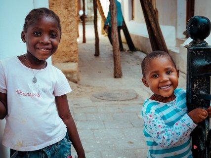 Mädchen in Stone Town, Zanzibar