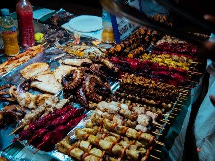 Essen auf dem Night Market in Zanzibar